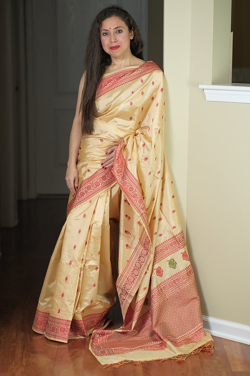 Pure Banarasi Silk Saree with Resham in Beige, Red and Green