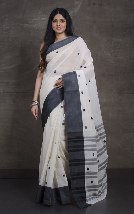 Bengal Handloom Cotton Saree with Starch in Off White and Black