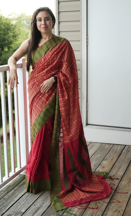 Hand Woven Khadi Soft Cotton Saree in Red and Green