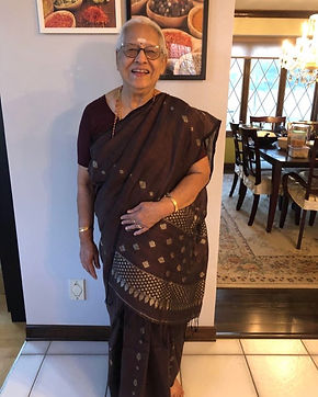 Bengal Looms Diva Logambal absolutely rocking it in a Pure Linen Saree