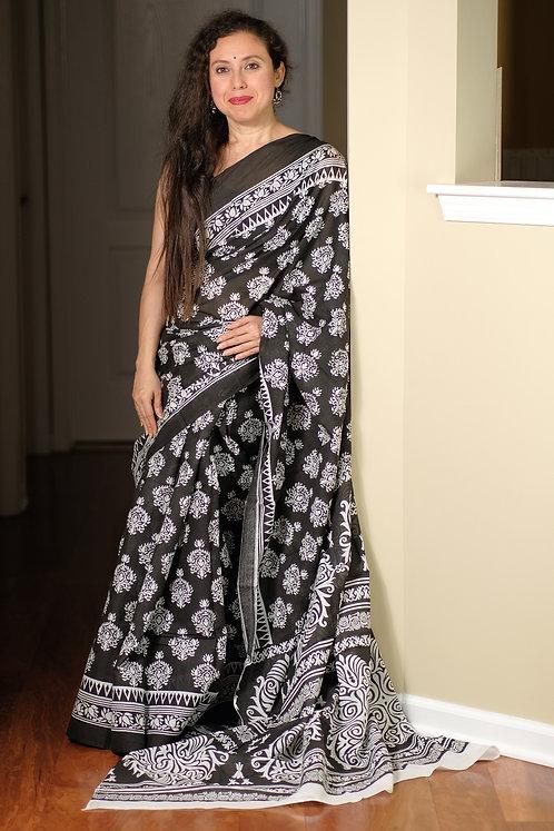 Soft Mulmul Cotton Saree in Black and White