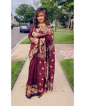 Bengal Looms Client Diaries: Mukta from New York looking absolutely fabulous in her Linen Jamdani Saree in Maroon and Gold from Bengal Looms.76455732_49017249361992