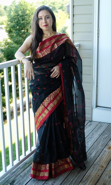 Pure Bengal Handloom Cotton Tant Saree in Black and Red