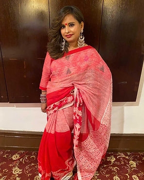 Mukta from New York rocking it in a Pure Linen Jamdani Saree from Bengal Looms