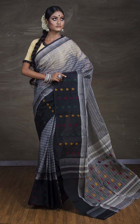 Bengal Handloom Cotton Saree with Starch in Gray and Black