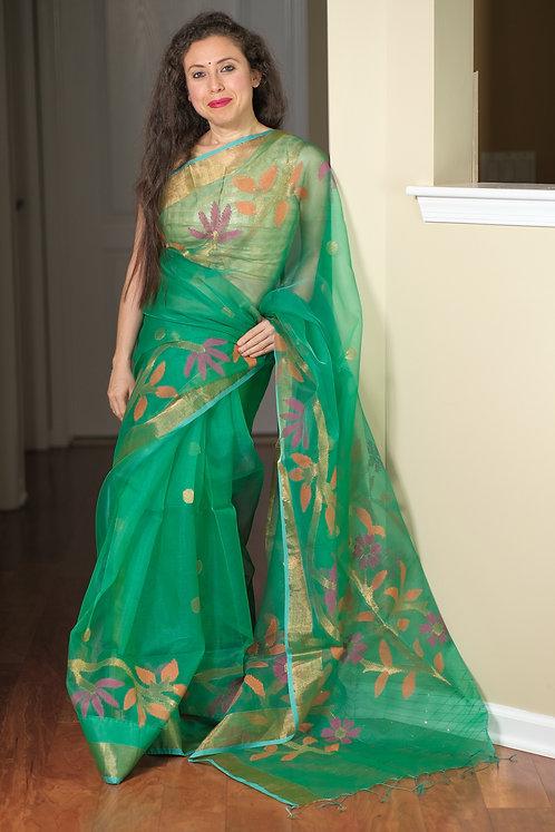 Muslin Jamdani Saree in Emerald Green and Gold