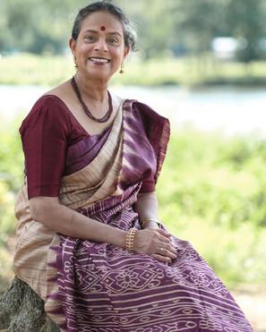 Vibha in her Pure Gicha Tussar Silk Sari from Bengal Looms.