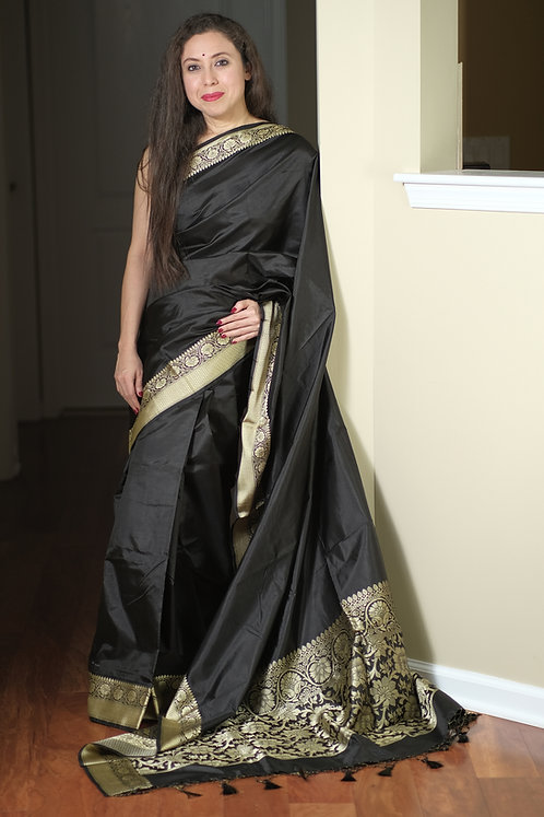 Pure Valkalam Banarasi Silk Saree in Black and Matte Gold
