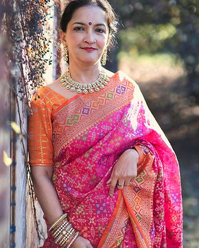 Shukti from New Jersey looking absolutely fabulous in her Exclusive Banarasi Patola Saree