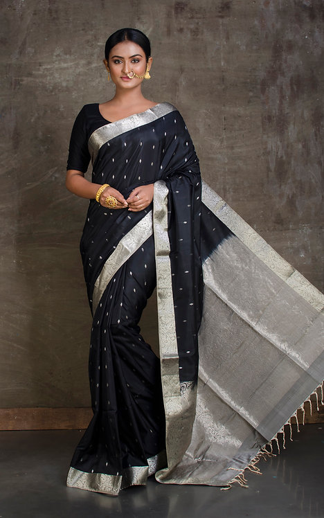Pure Soft Silk Kanchipuram Saree in Black and Gray