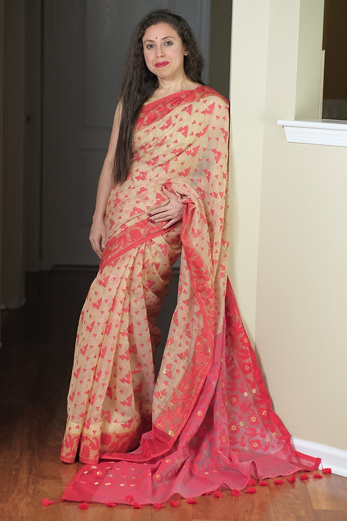 Soft Jamdani Saree in Beige and Red
