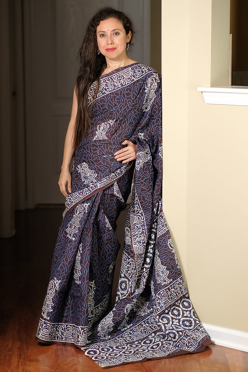 Printed Cotton Saree with Starch in Dark Plum, White and Blue