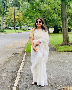 Richa looking super gorgeous and graceful in her Soft Jamdani Saree from Bengal Looms