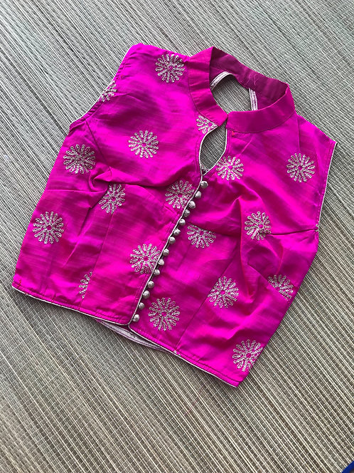 Zari Embroidery Sleeveless Blouse in Size 30