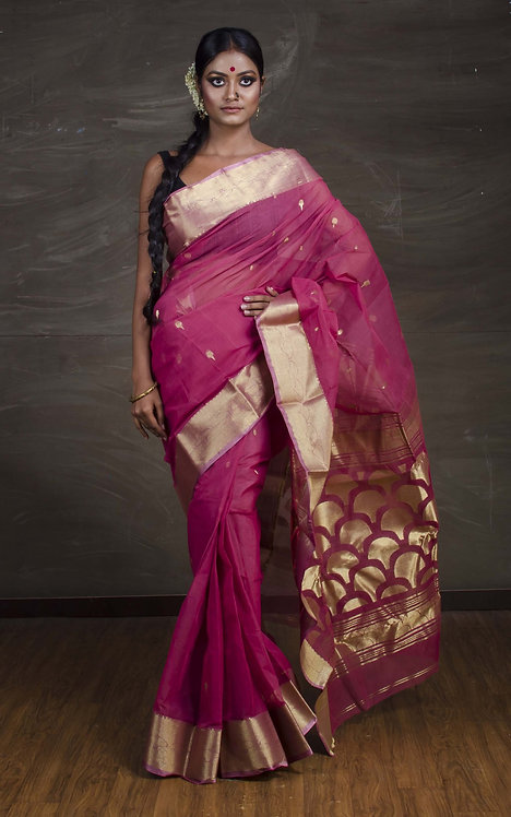Bengal Handloom Cotton Saree with Starch in Onion Pink and Gold