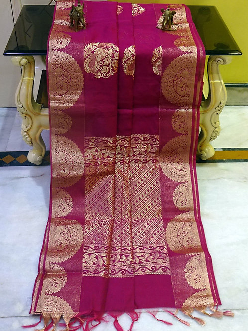Blended Cotton Kanjivaram Saree with Starch in Magenta and Gold