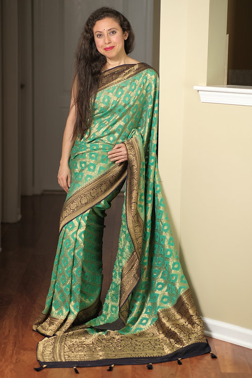 Pure Crepe Georgette Jaal Work Banarasi Saree in Sea Green, Dark Blue and Gold