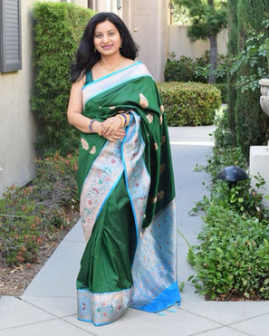 Bengal Looms Client Diaries: Reshmi looking absolutely gorgeous and elegant in her Pure Katan Silk Banarasi Saree from Bengal Looms.