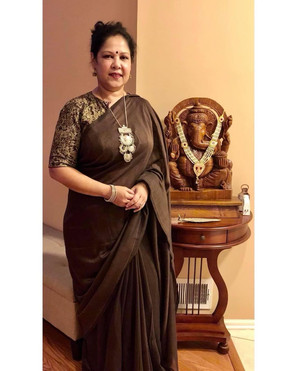 Bengal Looms Client Diaries - Mousumi looking absolutely fabulous in her Soft Cotton Saree from Bengal Looms.
