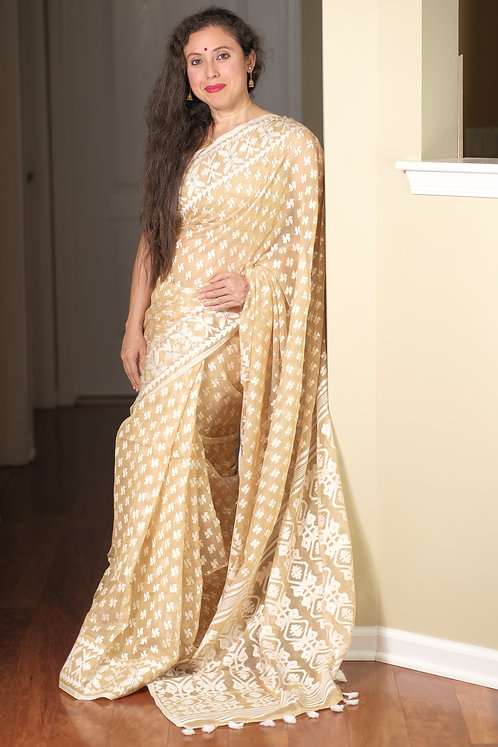 Soft Jamdani Saree in Beige and White