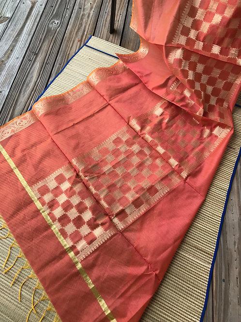 Banarasi Silk Cotton Dupatta in Peach and Gold