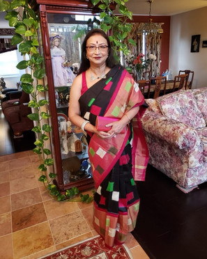 Arundhati di from New Jersey looking absolutely fabulous in her Double Ikkat Patola Saree from Bengal Looms