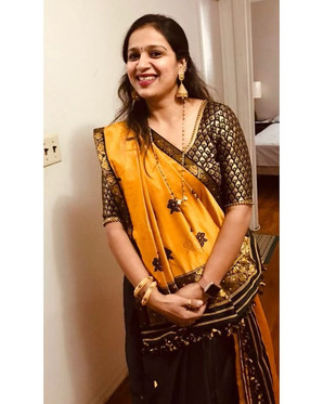 Bengal Looms Client Diaries: Anuya from New Jersey looking absolutely fabulous in her Assamese Mekhela Chador from Bengal Looms.Bengal Looms Client Diaries: Anuya from New Jersey looking absolutely fabulous in her Assamese Mekhela Chador from Bengal Looms.985422315176_72014598633886