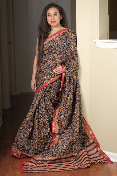 Maheshwari Cotton Saree with Kalamkari Print in Black and Red