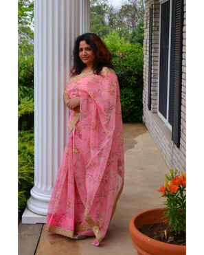 Bengal Looms Client Diaries: Shirin from New Jersey absolutely dazzling in her Pink Floral Organza Saree from Bengal Looms.Bengal Looms Client Diaries: Shirin from New Jersey absolutely dazzling in her Pink Floral Organza Saree from Bengal Looms.