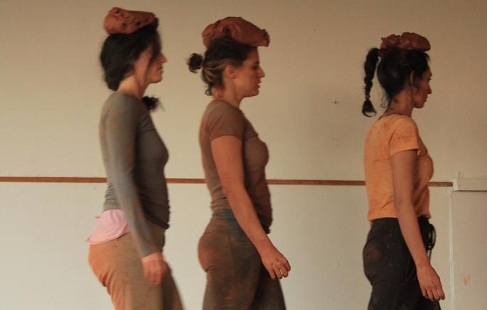 Dancers: Tamar Shamir, Nohar Misk and Gal Antzel