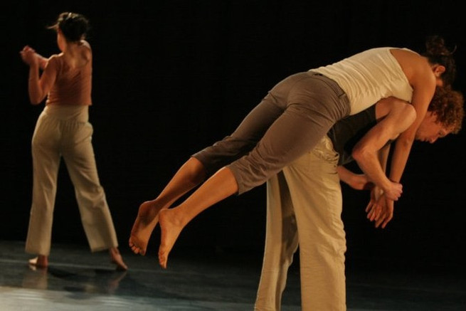 Dancers: Tamar Shamir, Tom-Lev Dekel and Asaf Lederman