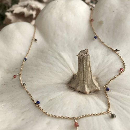 Ras de cou chaîne vermeil, micro lapis lazuli/cornaline/ pyrite