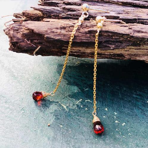 Boucles d'Oreilles fines rouges