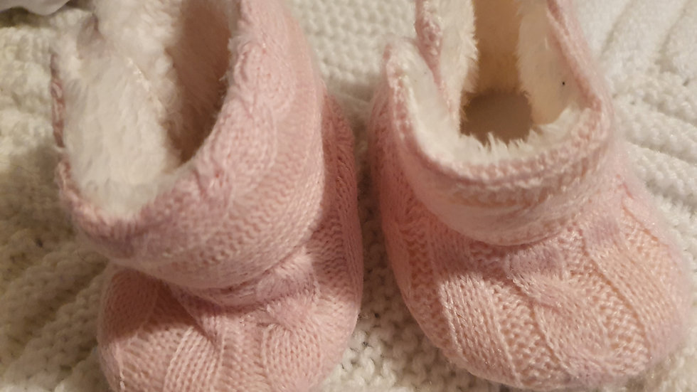 0-3 Month girls pink slippers (Pre-loved)