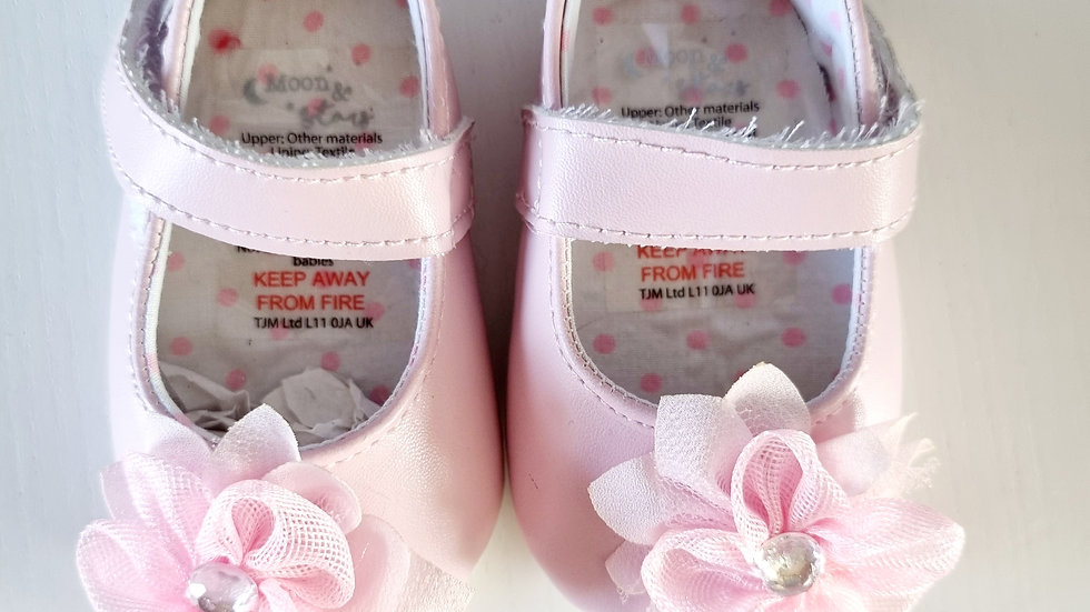 0-3 Month Moon & Stars Shoes (New without tags)