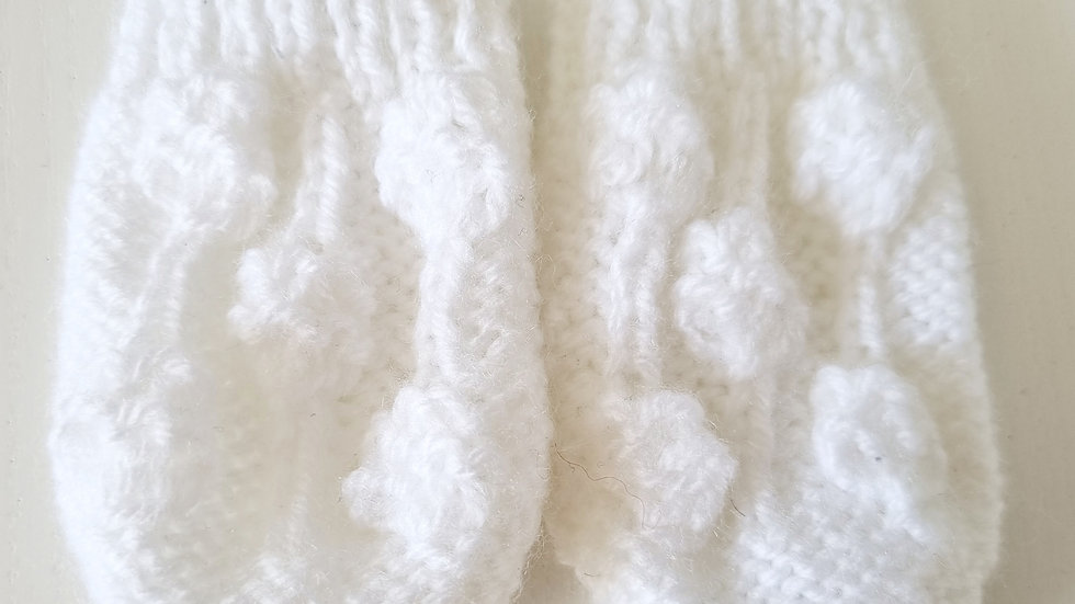 0-6 Month  Knitted  Gloves ( Pre-loved)