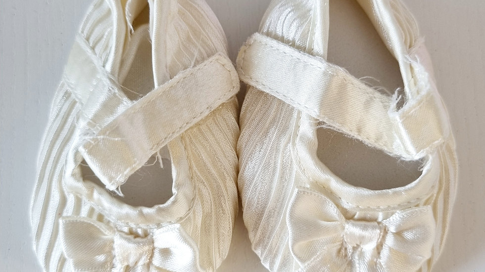 0-3 Month Silk Shoes (Pre-loved)