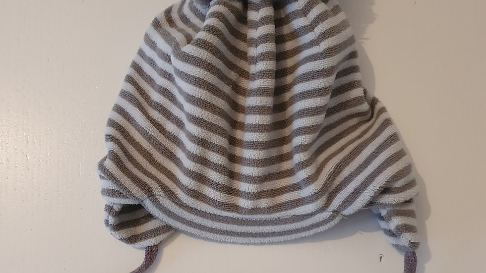 3-6 Month Hat with pompom & ties (Pre-loved)
