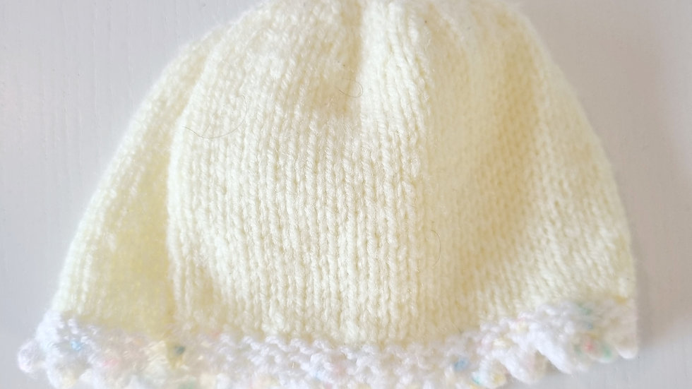 0-6 Month  Knitted  Hat ( Pre-loved  )