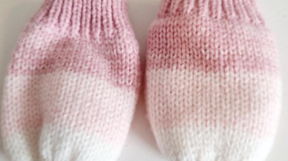 3-6 Month Nutmeg Gloves (Pre-loved)