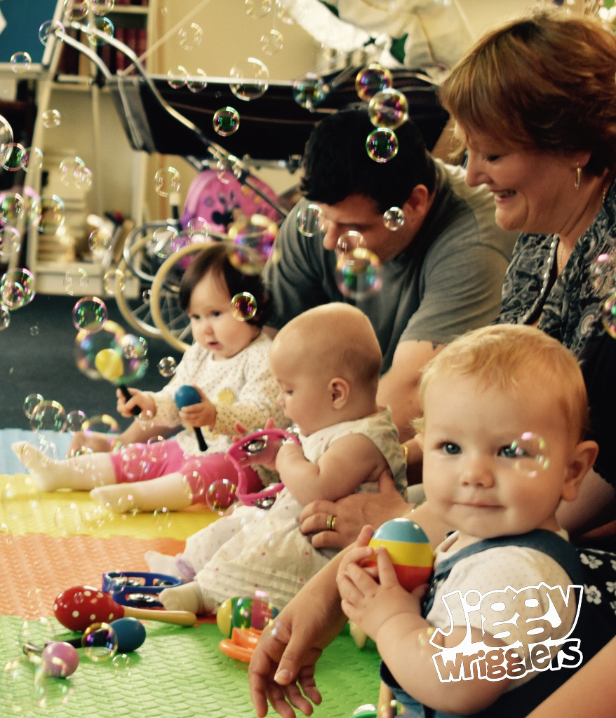 Jiggy Wrigglers, Bubble Sensory Play and Development