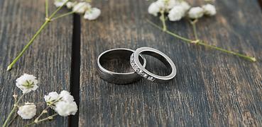 2 x Wedding Rings.png