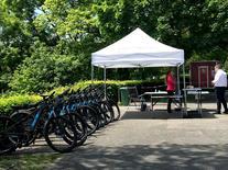15 vélos + stand.jpg