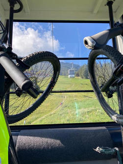 Vélo télécabine.jpg