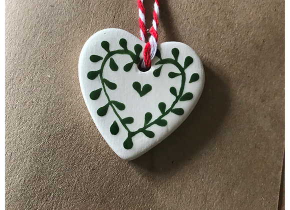 Ceramic Tag Greetings Card with Green Mistel Heart x 3