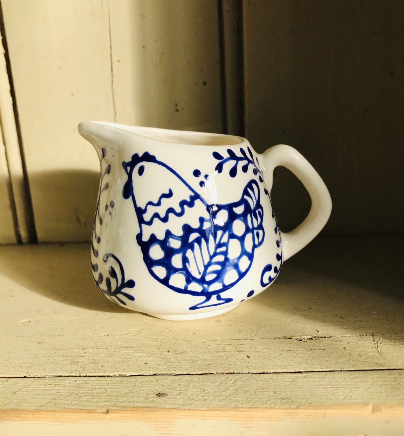 Thumbnail: Bloomsbury hen Mini milk jug blue