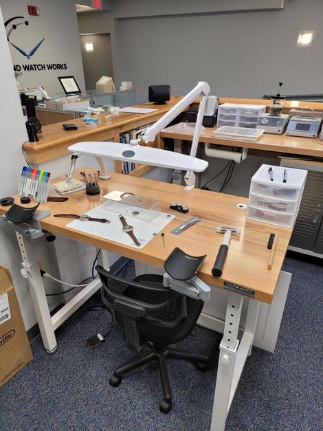 Watch-maker work station