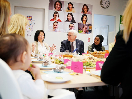 Der Bundespräsident zu Besuch im MädchenbüroMilena
