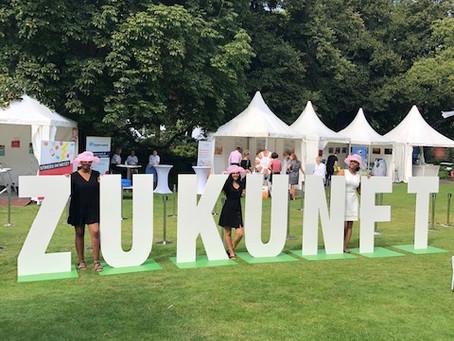 Milena zu Gast auf dem Bürgerfest des Bundespräsidenten im Park von Schloss Bellevue