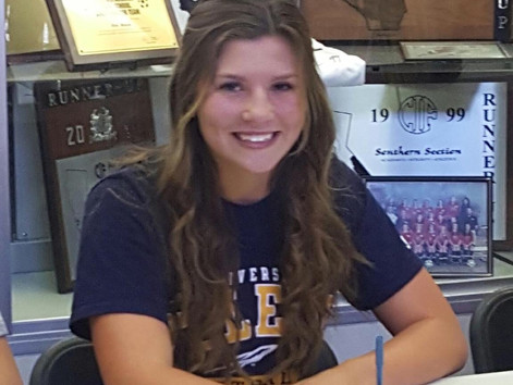 Kylie Norwood signs NLI